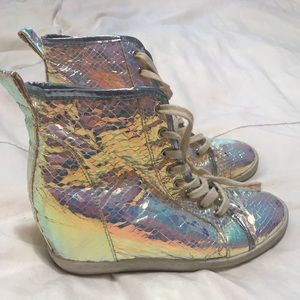HOLOGRAPHIC SNEAKERS SIZE 7
